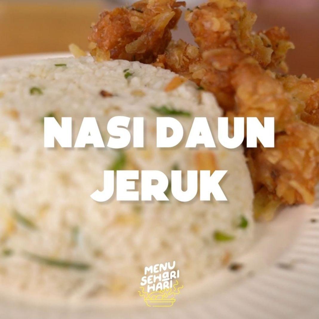 Info kuliner, Nasi daun jeruk ini bener bener haruuuum banget. dapat bikin gak berhenti makan.  Bahan-bahan: -…
