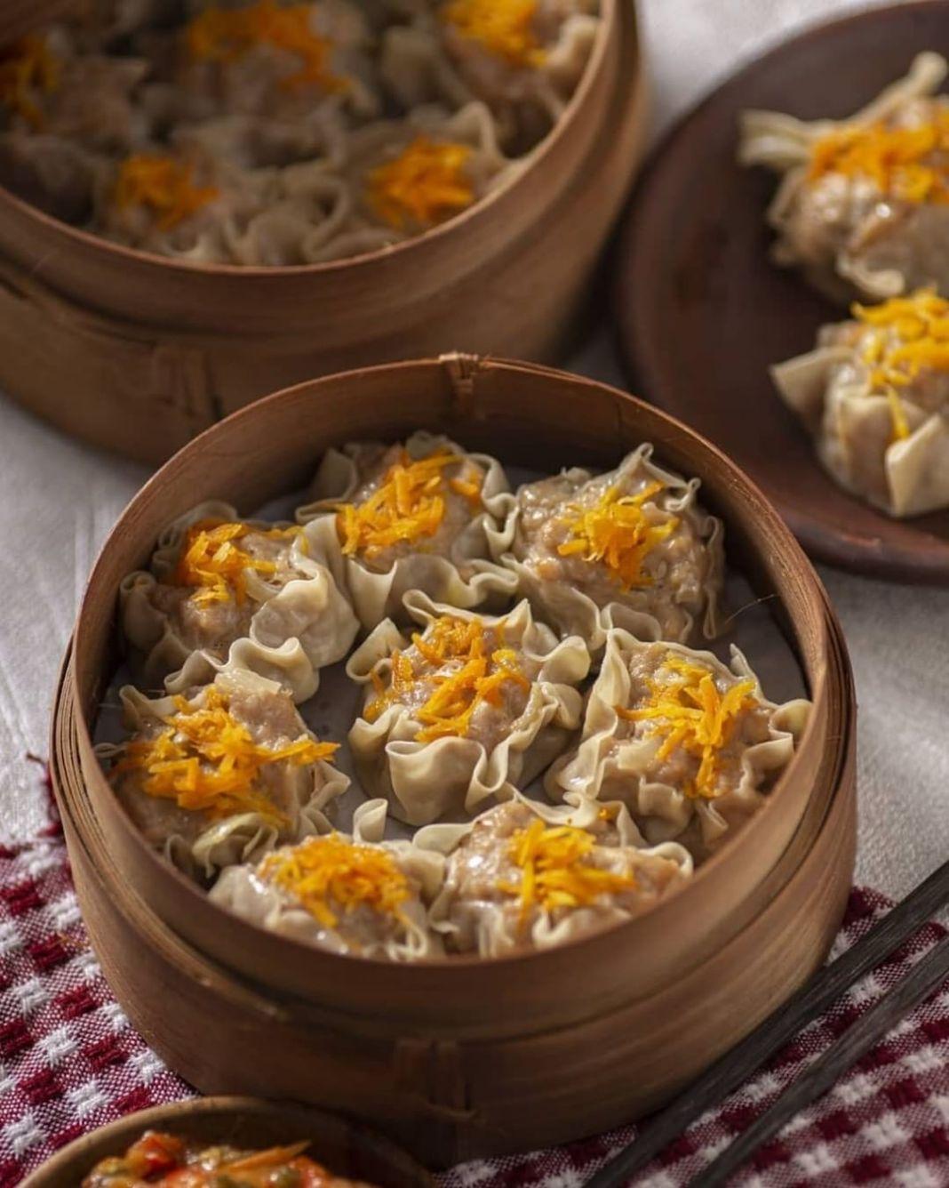 Info kuliner, Kali ini Saya bikin dimsum ayam, alhamdulilah enaakk, puas makannya krna jadi banyak   Sambelnya…