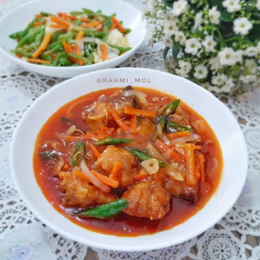Info kuliner, dicoba yuk resep kali inii!  IKAN KUWE (RAMBEU) SAUS ASAM MANIS  Bahan : – 6 potong ikan kuwe -…