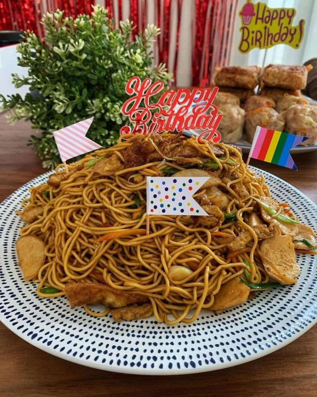 Info kuliner, Mie Ulang Tahun  setiap keluarga dirumah yg berulang tahun pasti Saya masak Mie ulang Tahun yang…