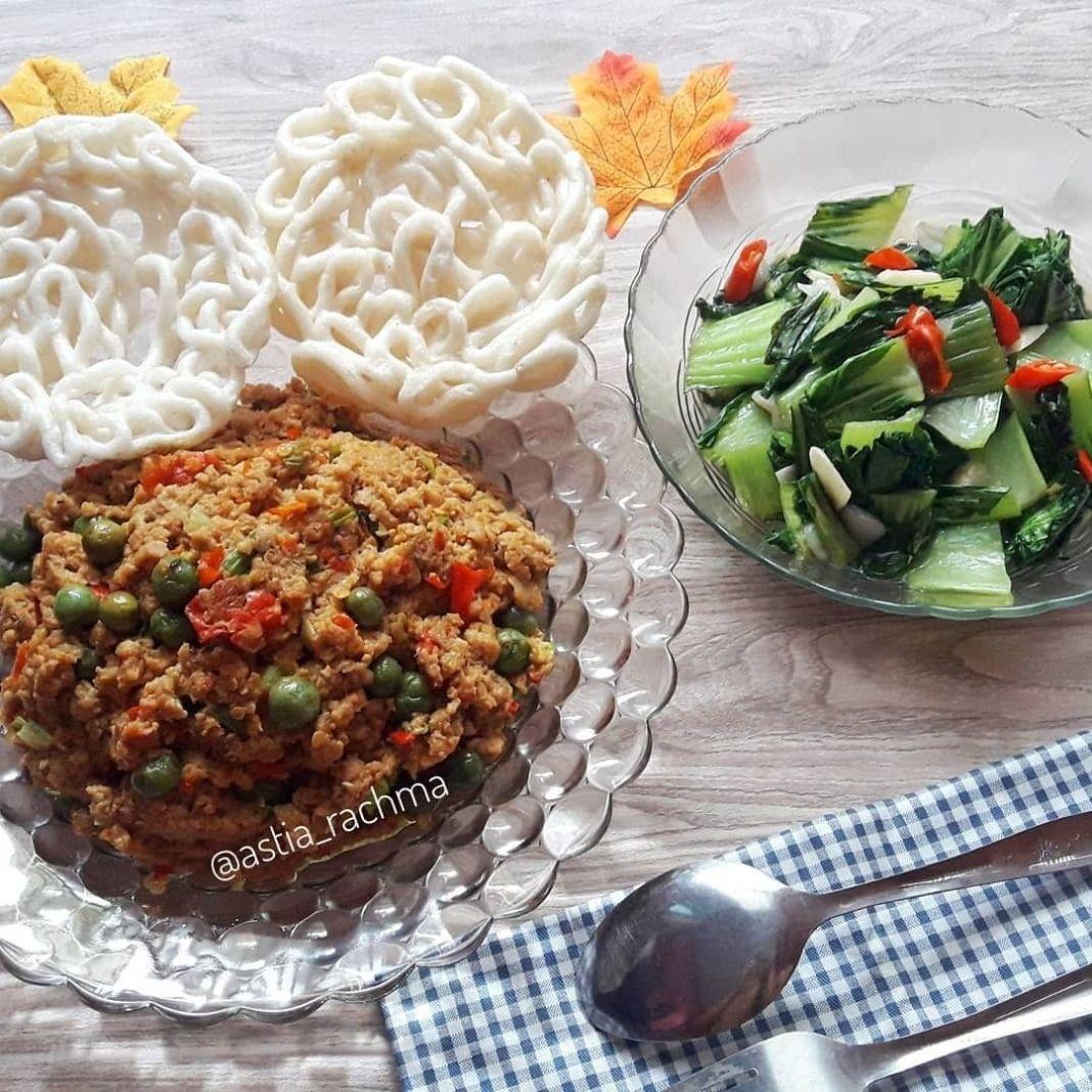 Info kuliner, MAKAN YUK!!  Selamat makan siang semuanya, siang ini menu nya simple tapi dijamin enak lho  Dul…