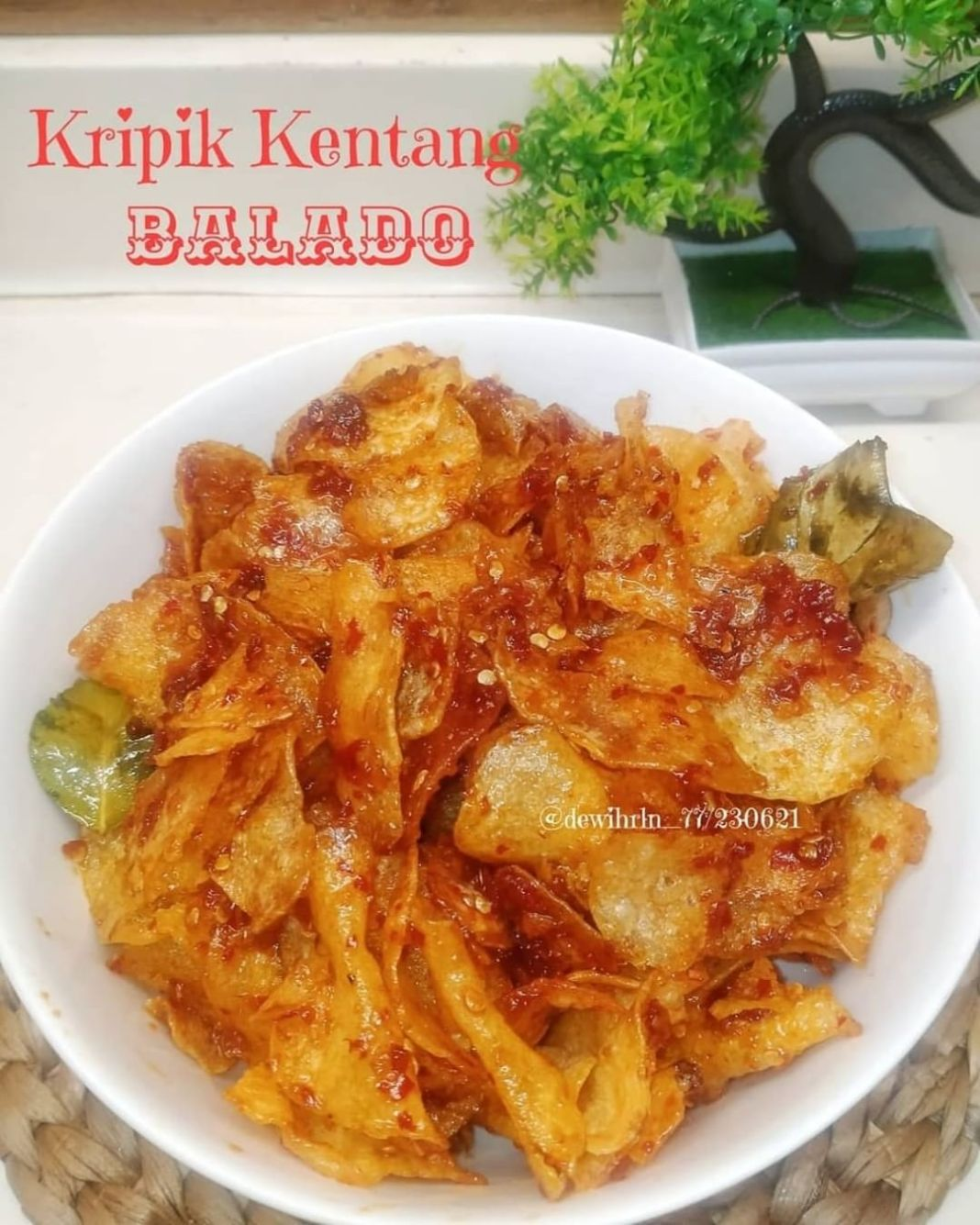 Info kuliner, Keripik Kentang Balado  By :dewihrln_77  Bahan bahan :  Kentang 1 kg 2 sdm air asam Jawa 2 lem…