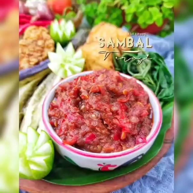Info kuliner, Terasi sendiri terbuat dari ikan atau udang rebon yang difermentasikan. untuk membuat sambal te…