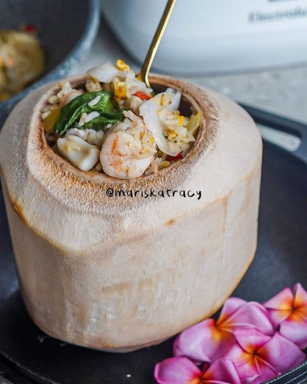 Info kuliner, siapa sih yg bakal nolak sm nasi goreng seafood??? Berikut resepnya. Silahkan direcook!  Nasi G…