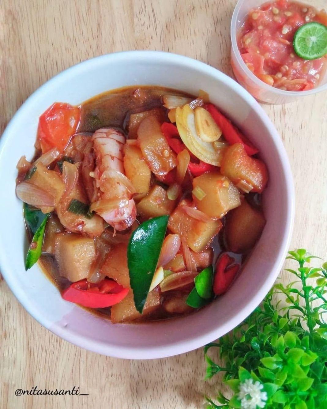 Info kuliner, Oseng Kikil Kecap _  Resep Oseng Kikil Kecap Ala Dapur Teh@nitasusanti_  Bahan: 1/2 kg kikil r…