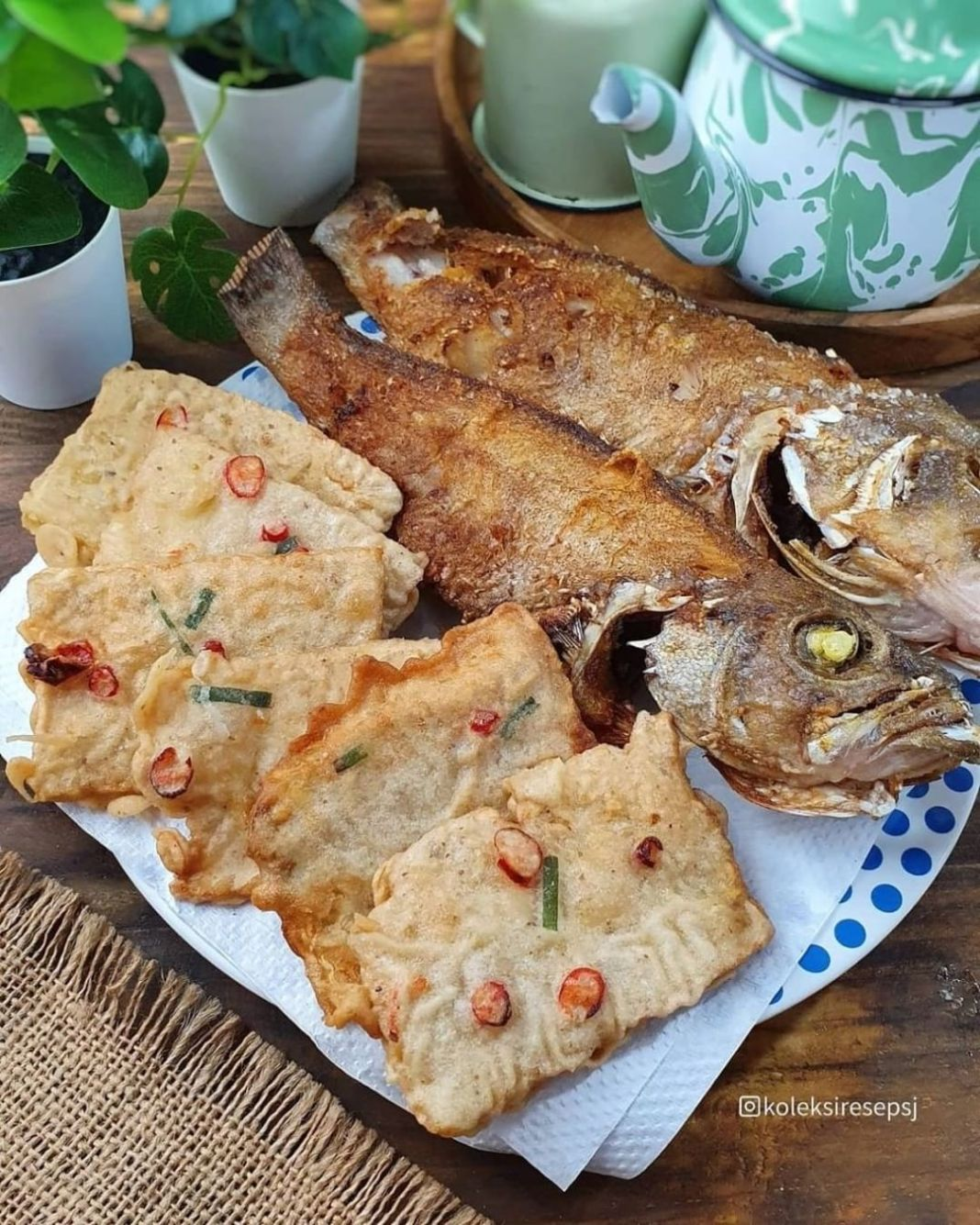 Info kuliner, Ikan serta tempe goreng saja sudah nikmat  . MENDOAN by@koleksiresepsj . Bahan: 300 gr tempe, ir…