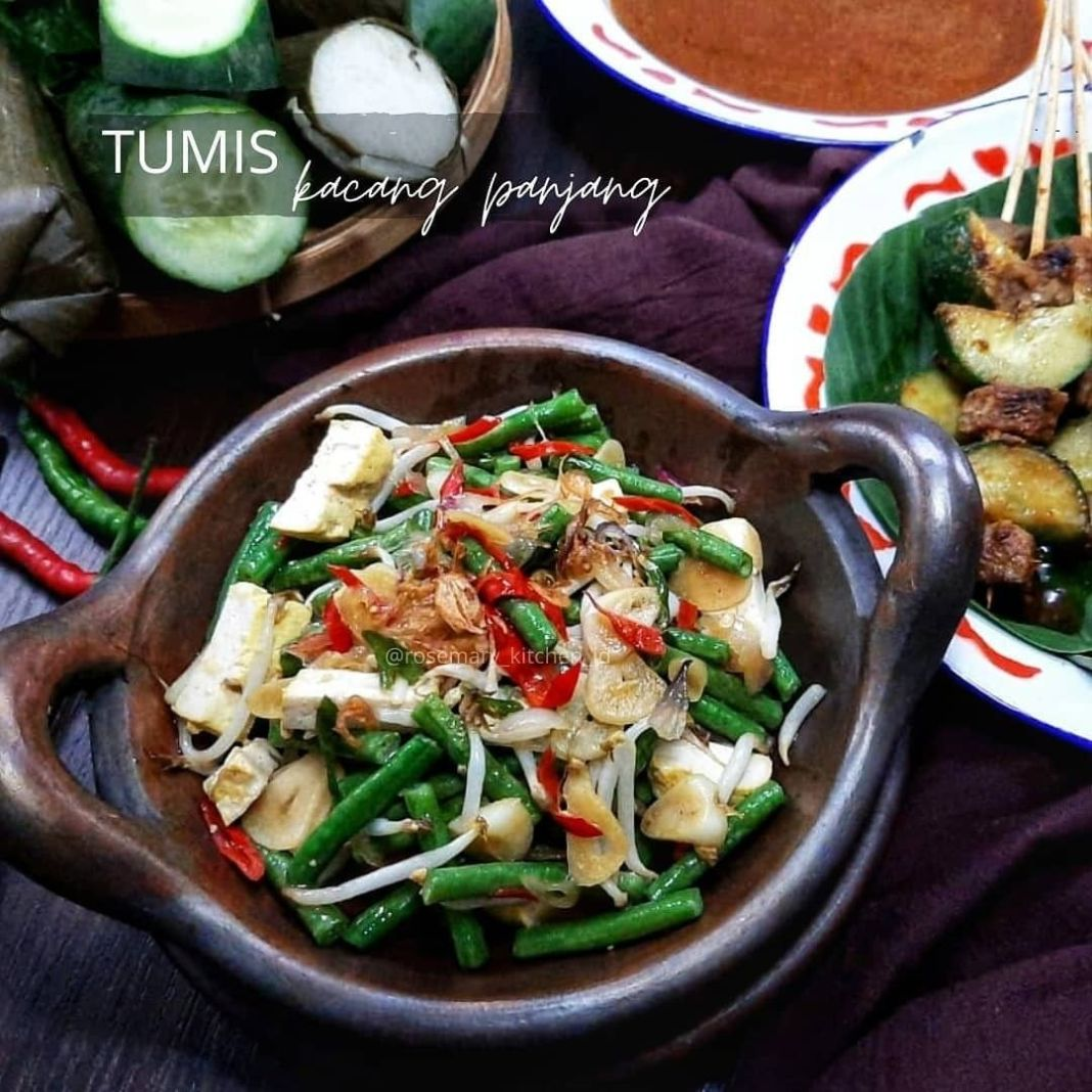 Info kuliner, Tumis Kacang Panjang @rosemary_kitchen_id  Bahan 100 gr kacang panjang, potong2 50 gr tauge 3 t…