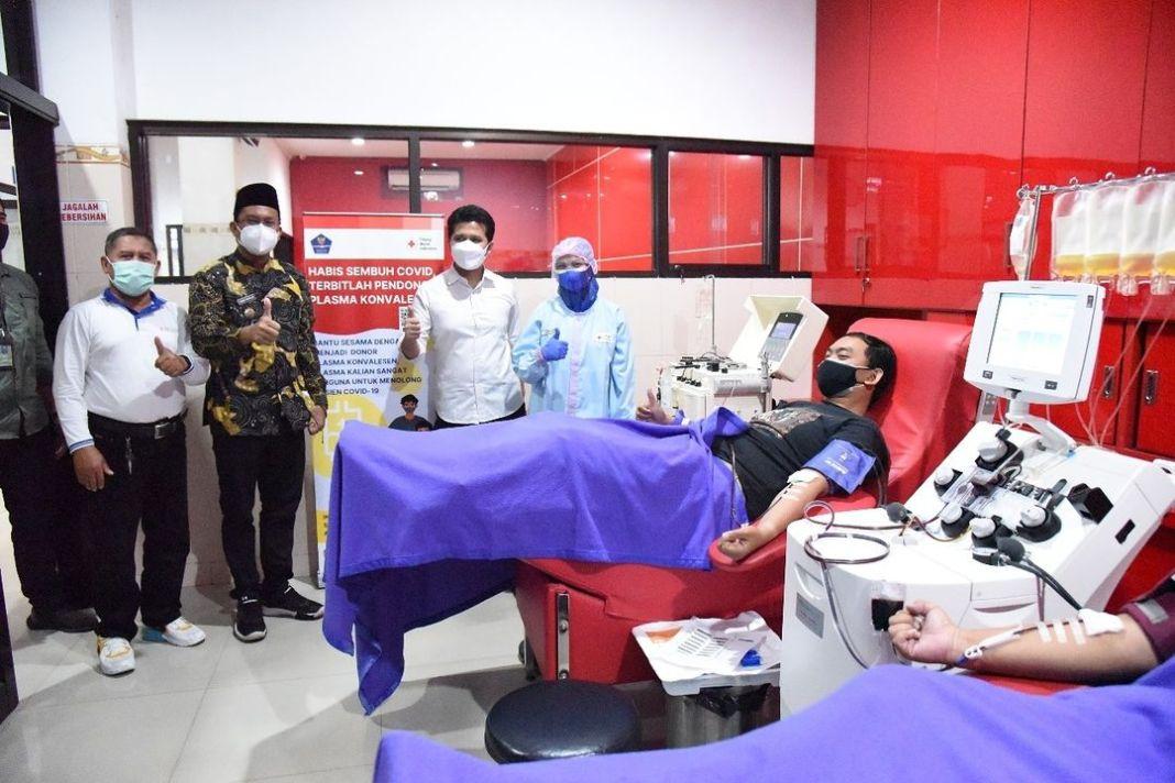 Wagub Jatim Emil Dardak serta Bupati Sidoarjo Gus Muhdlor, Imbau Penyintas Covid-19 Aktif Donor …