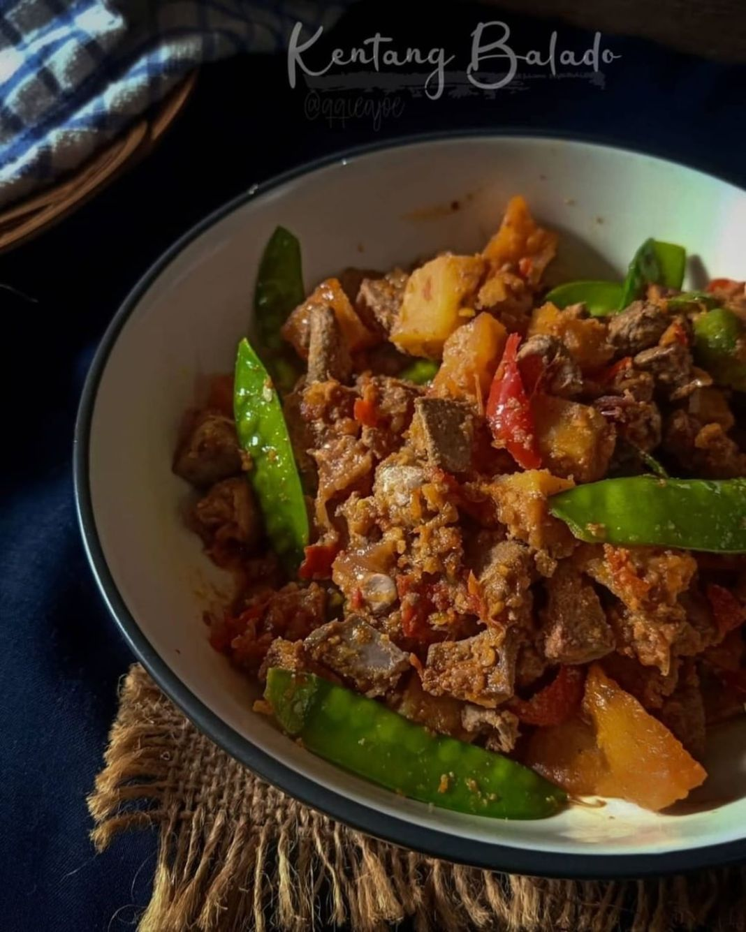 Info kuliner, Kentang balado menjadi menu favorite banyak orang. Hidangan sederhana ini sering sekali disajik…