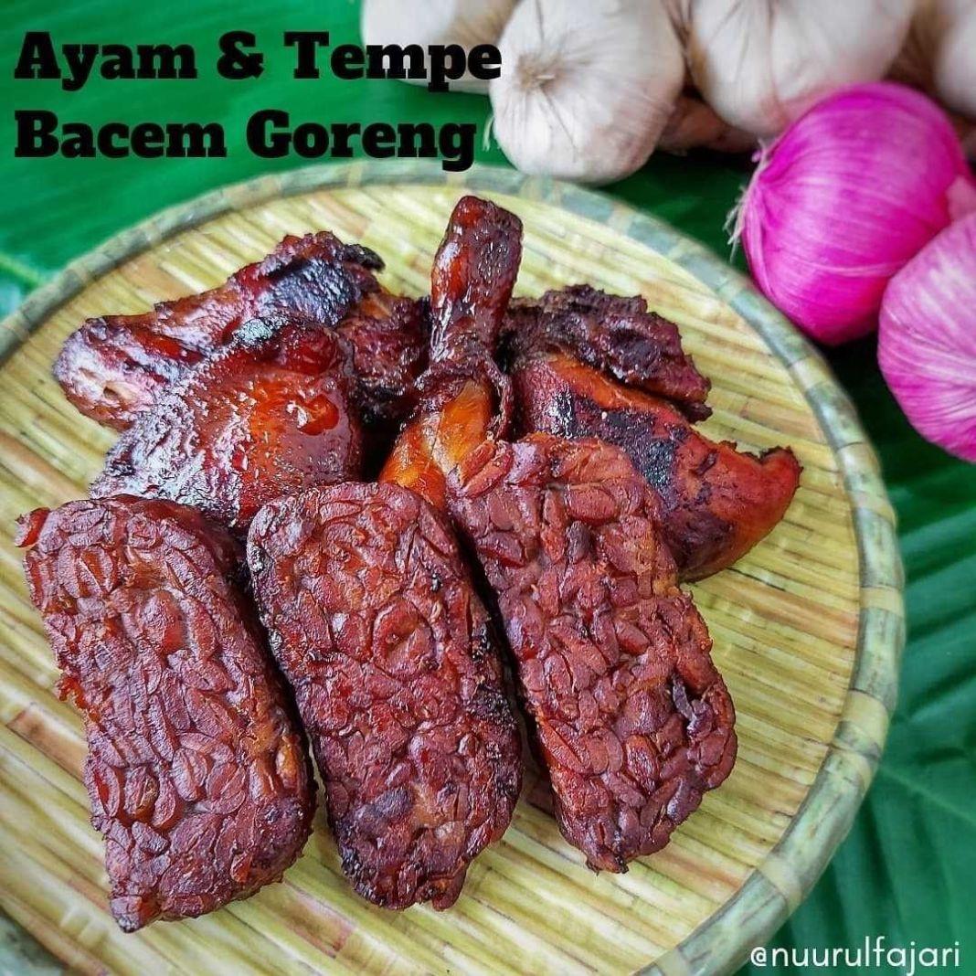 Info kuliner, Ayam serta Tempe Bacem Goreng  Bakal jadi menu andalan di rumah deh untuk seterusnya    Bahan-baha…