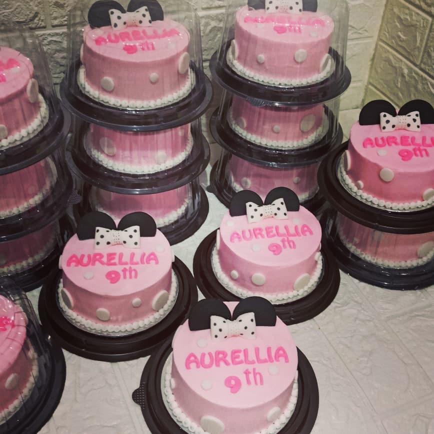 Cake Souvenir   #kuelamaransidoarjo #cakemarmersidoarjo #spikusidoarjo #cakesido…