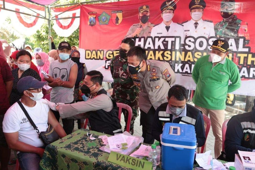 Vaksinasi Covid-19 Jangkau Desa Terpencil di Kabupaten Sidoarjo  KOMINFO,Sidoarjo- Dusun Kepeti…