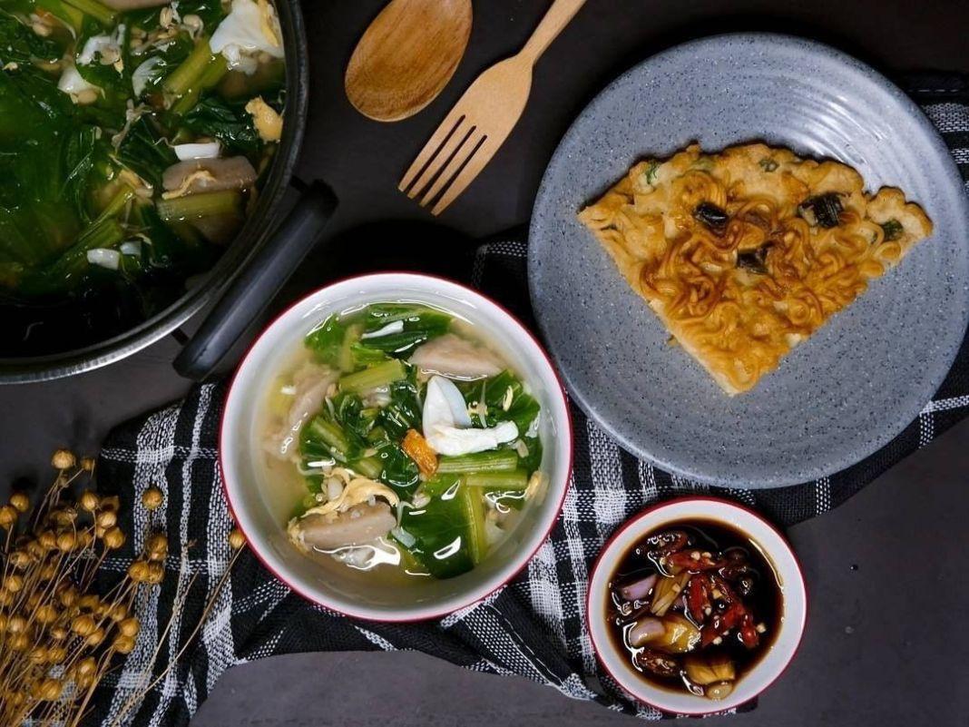 Info kuliner, -Resep sawi telur bakso-  Bahan : 1 ikat sawi caisim 1 butir telur 5 butir bakso Secukupnya tau…