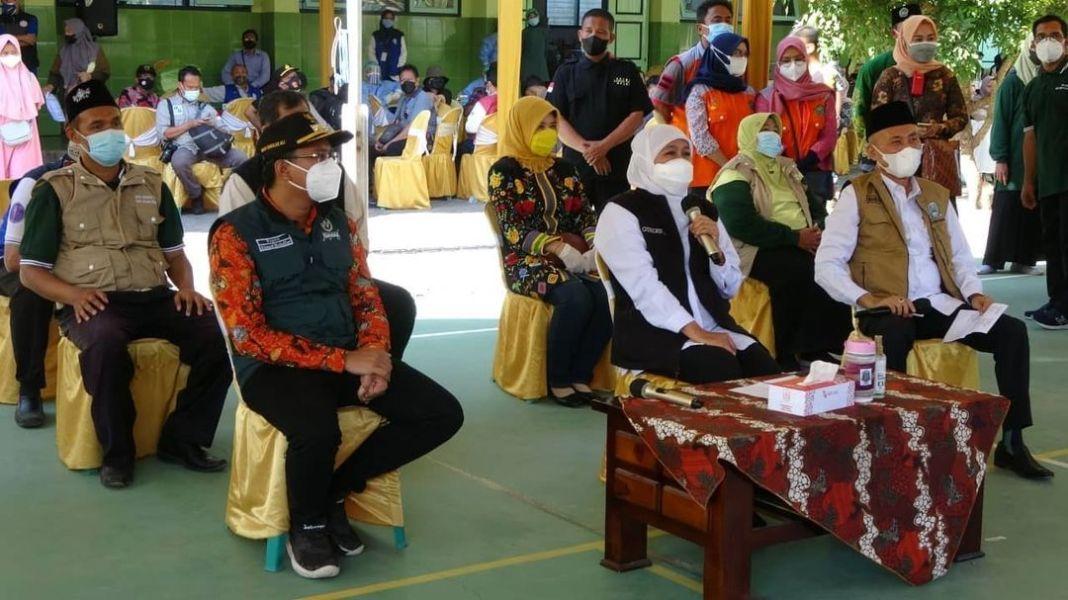 Pemerintah Provinsi Jawa Timur, untuk persiapan pelaksanaan Pembelajaran Tatap Muka (PTM) ini, …