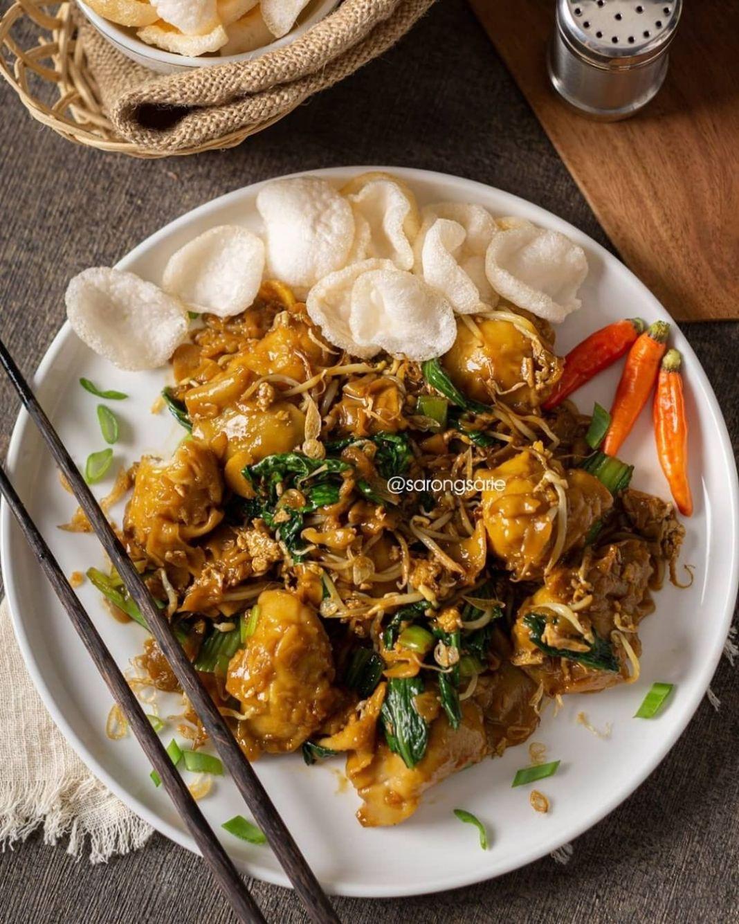 Info kuliner, Pangsit goreng yg enaakk banget Mari kita ke resep . PANGSIT GORENG by @sarongsarie  Bahan: – 1…