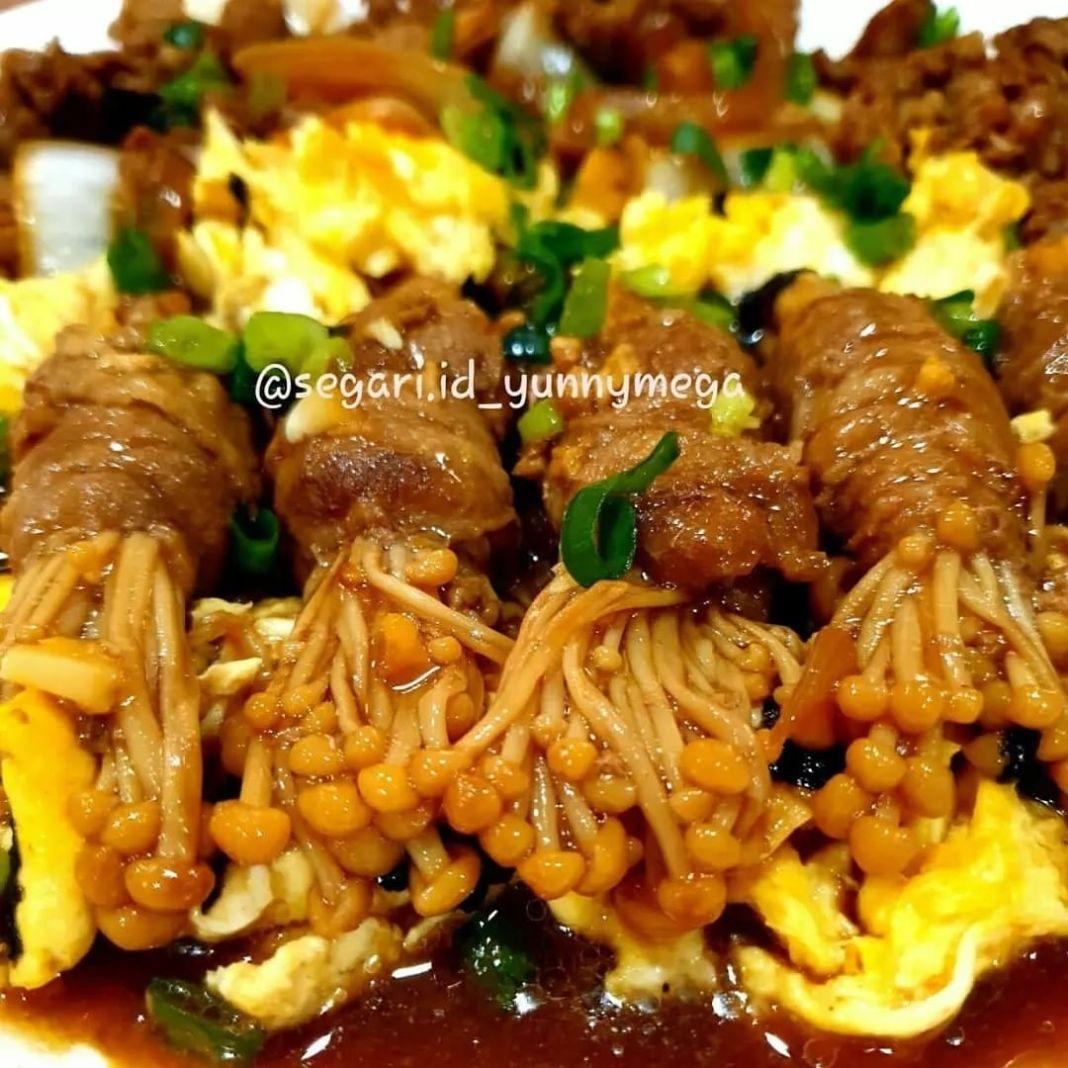Info kuliner, Enoki Beef roll  Cook by @segari.id_yunnymega  Bahan Beef slice shortplate/shabu Enoki  Saos Ba…