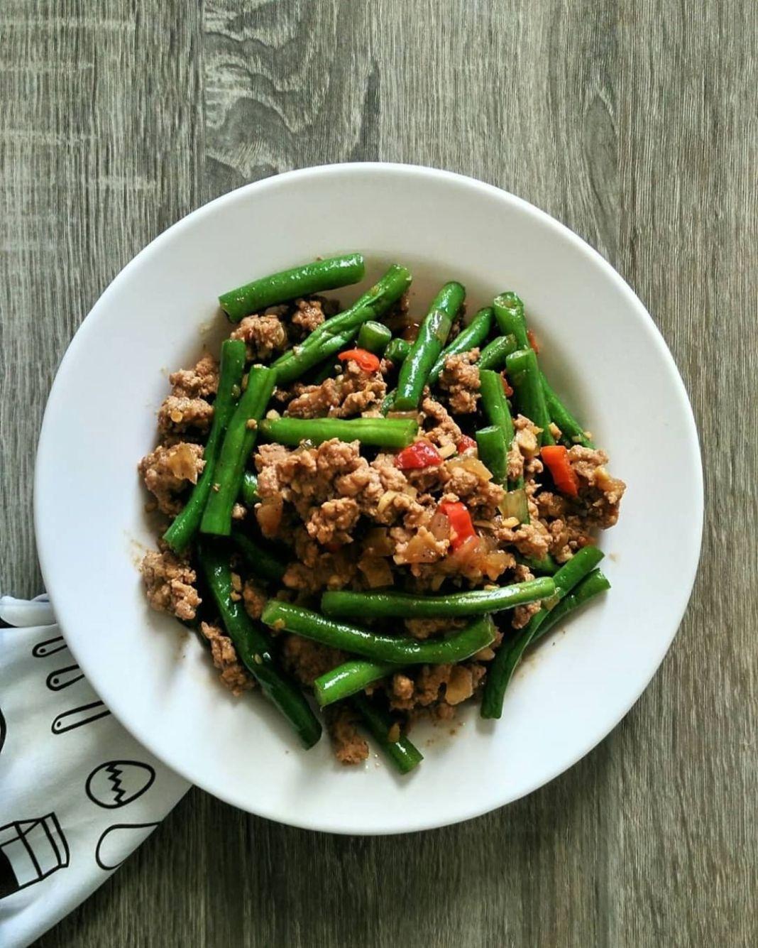 Info kuliner, TUMIS BUNCIS DAGING CINCANG (4 porsi) by : @rezitaandherkitchen  BAHAN : 1/4 kg daging sapi cin…