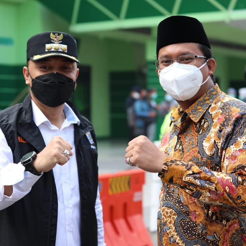 Percepatan vaksinasi wilayah aglomerasi Surabaya Raya (Surabaya, Sidoarjo, Gresik) menuju level…