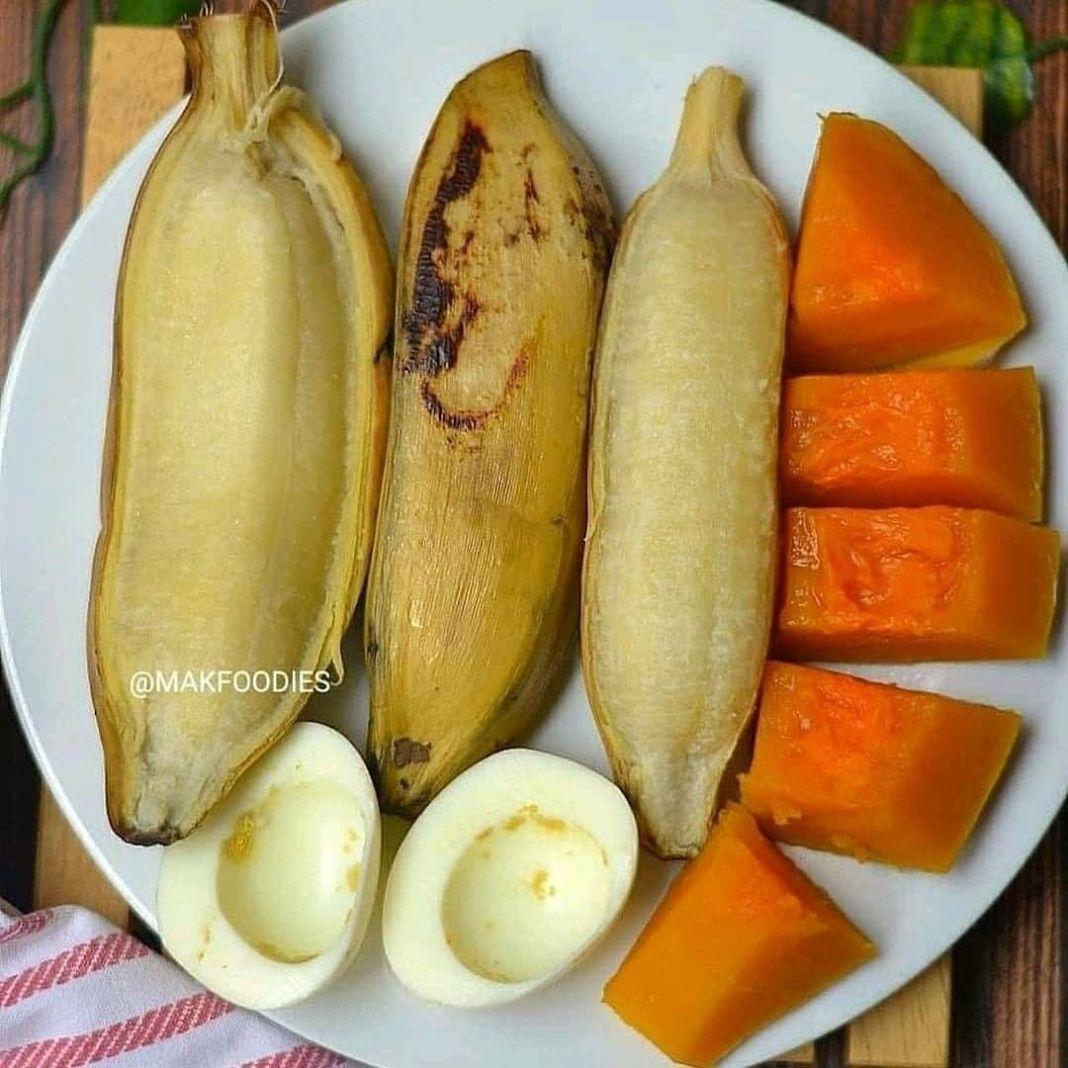 Info sehat, Siapa yang suka sarapan kayak gini ?  Pisang kukus, labu kuning kukus, telur rebus sehat banget…