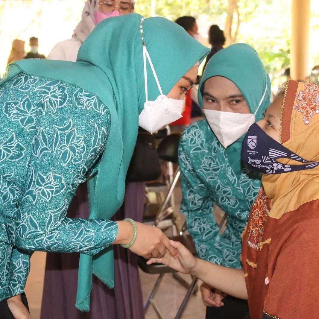 Vaksinasi di Kabupaten Sidoarjo selain menyasar masyarakat umum serta pelajar juga menyasar Anak …