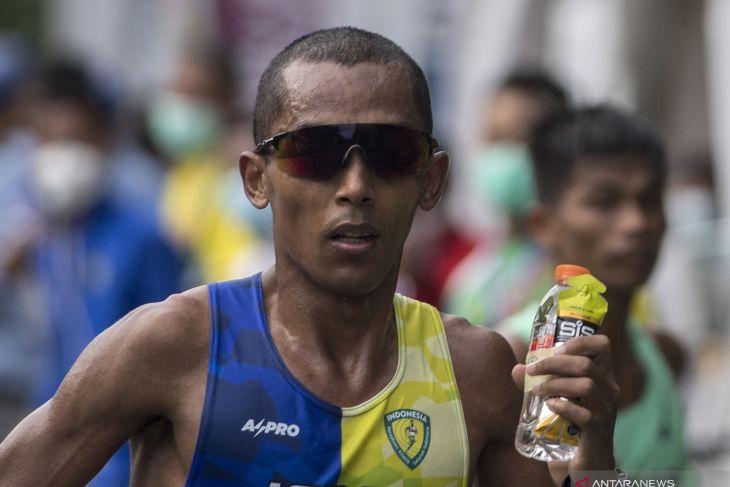 Agus Prayogo Sabet Emas Maraton Putra, Belum Bisa Pecahkan Rekor Nabunome