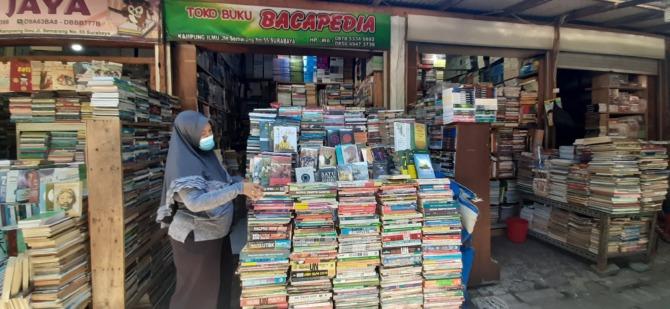 Kampung Ilmu, Pasar Buku Bekas Terbesar di Indonesia Timur