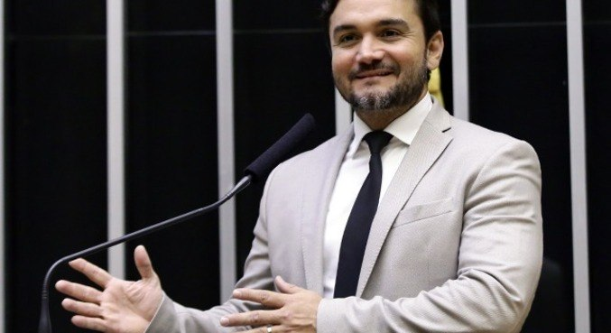 Deputados devem analisar urgência da reforma do Imposto de Renda