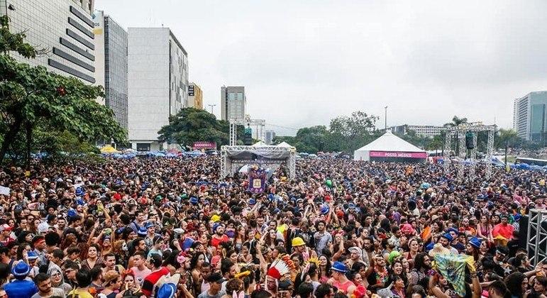 Com cenário atual, carnaval segue indefinido no DF, diz secretário
