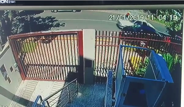 Menino baleado com pai no Paraná morre no hospital
