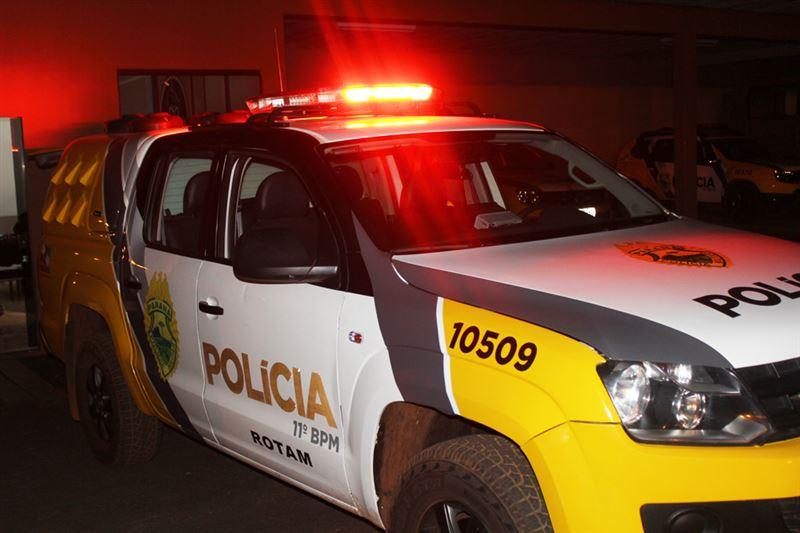 Bandidos roubam carreta da Klabin na PR-218