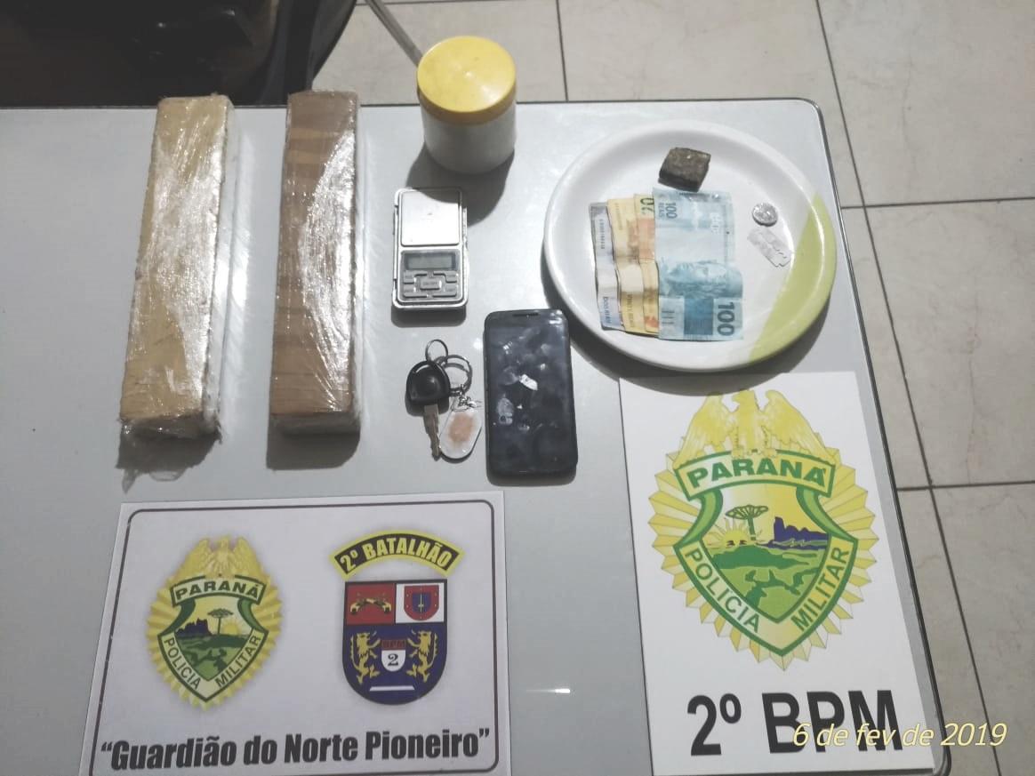 Policiais Militares apreendem jovens por crime de tráfico de drogas em Jacarezinho
