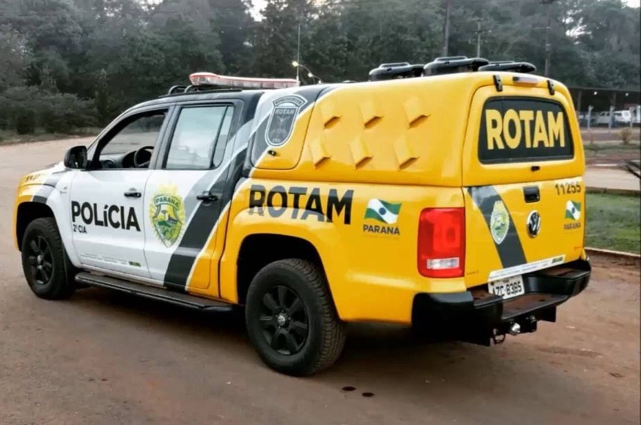 Policia Rodoviária Federal com apoio da Rotam Canil Jacarezinho apreende mais de 360 kl de maconha as margens da rodovia Raposo Tavares em Canitar SP