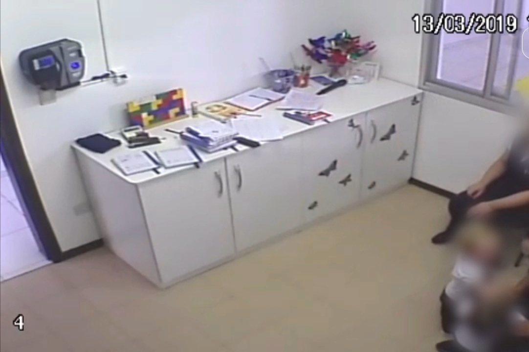 Diretora de escola é indiciada por crime de tortura-castigo contra alunos