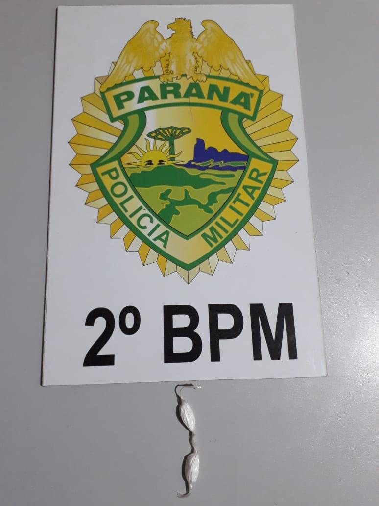 Polícia Militar prende homem com duas buchas de cocaína em Jacarezinho