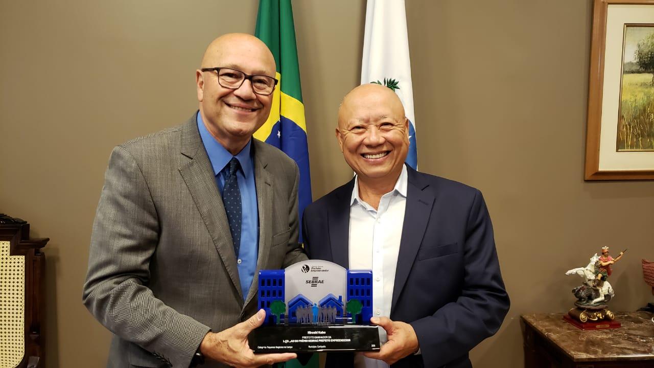 Romanelli destaca prêmio Sebrae recebido pelo prefeito de Carlópolis