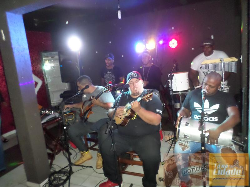 Confiram as fotos: Pagodão NATIVA-FM com o Grupo Samba e Pagode SAMBACHIK