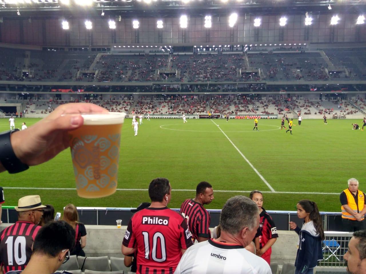 Por 18 votos a 4, TJ-PR autoriza retomada da venda de cerveja nos estádios do Paraná