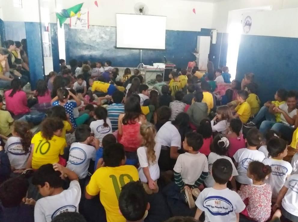 Jacarezinho: EMEF RUTH PIMENTEL ROCHA entra no clima da Copa do Mundo de Futebol Feminino