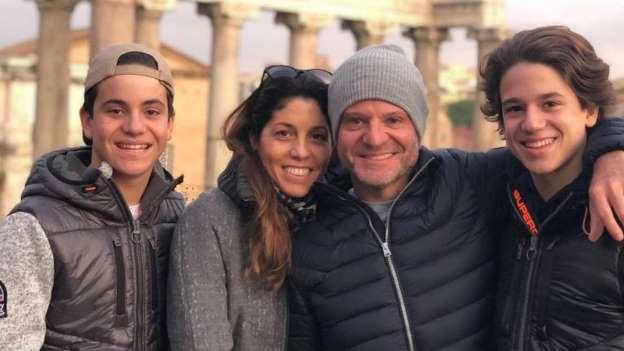 """Rubens Barrichello se separa após 22 anos de casamento: """"Divergência de pensamento"""""""