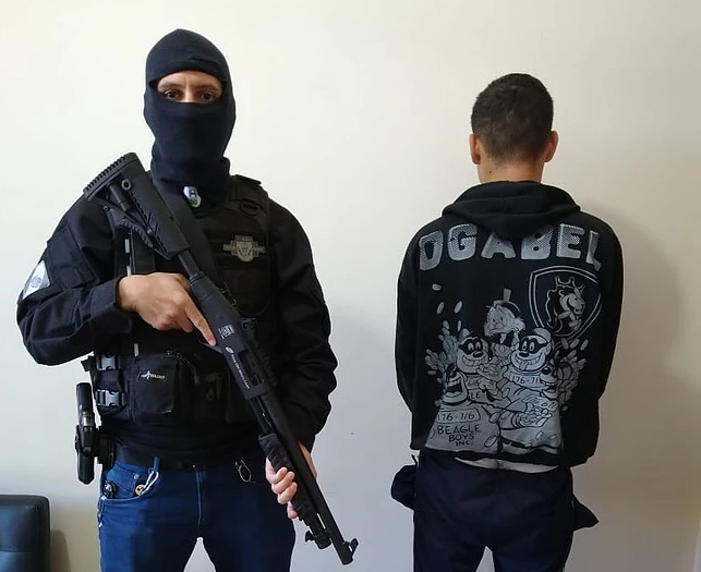Polícia Civil de Ribeirão Claro prende acusado de tráfico