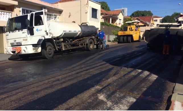 Ruas de Jacarezinho passam por recapeamento