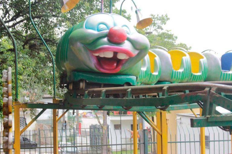 Morre mulher que caiu de brinquedo em parque de diversões