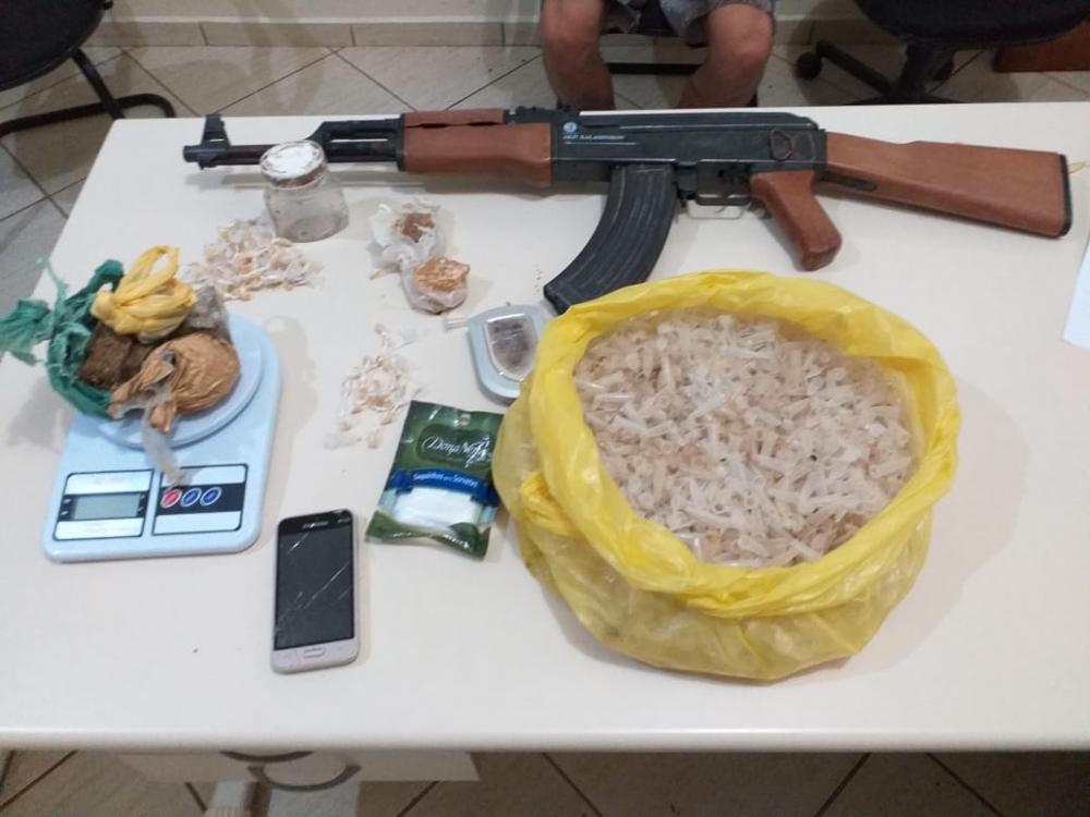 PM prende traficantes de droga em Carlópolis
