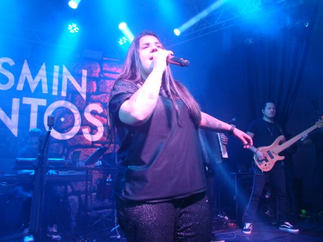 Confiram as fotos do show da cantora Yasmin Santos na AABB em Jacarezinho