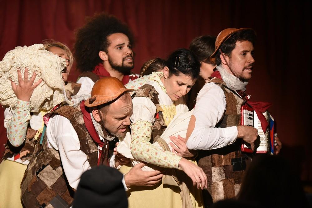 Jacarezinho: Mostra de Teatro EnCena encanta o público nos dois primeiros dias