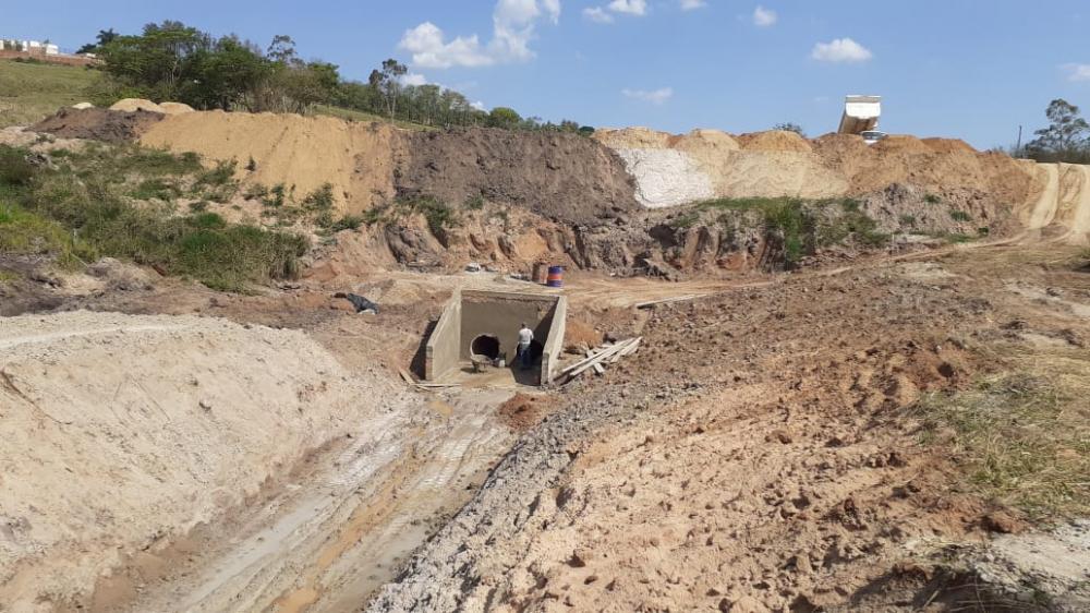 Construção de lago de contenção gera denúncias em Jacarezinho