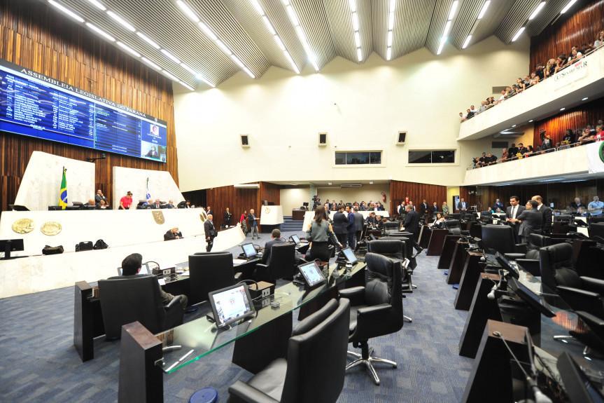 Em nova votação, Assembleia confirma retirada da licença-prêmio de servidores públicos