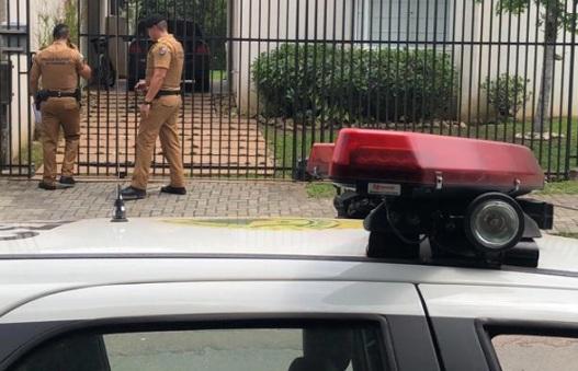 Paraná: Alarme dispara em assalto, PM invade casa e mata ladrão que usava arma falsa