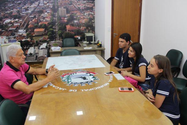 Jacarezinho: Alunos Realizam Entrevista Com Vereadores