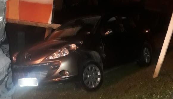 Paraná: Suspeito de agredir esposa e sogra, jovem tenta fugir e acaba preso após quase atropelar policiais